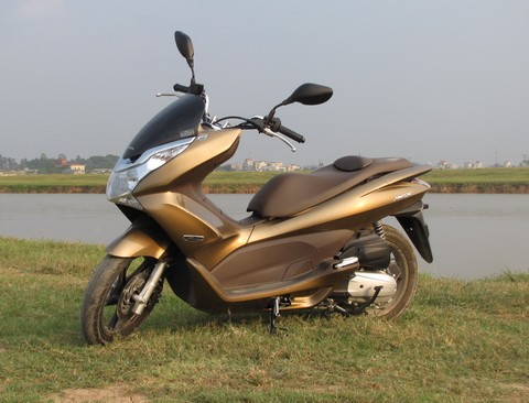 Honda PCX co thiet ke mat can doi