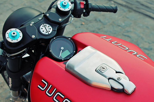 Ducati Monster 1100 la lam - 3