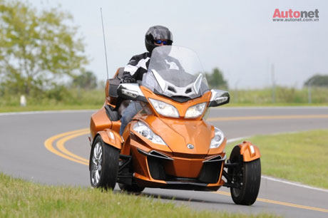 CanAm Spyder RT 2014 co gia khoang 22999 USD - 5