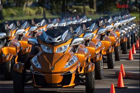 CanAm Spyder RT 2014 co gia khoang 22999 USD - 3