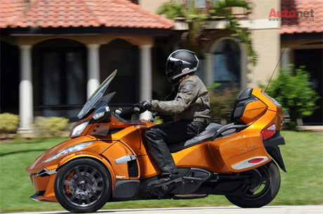 CanAm Spyder RT 2014 co gia khoang 22999 USD - 6