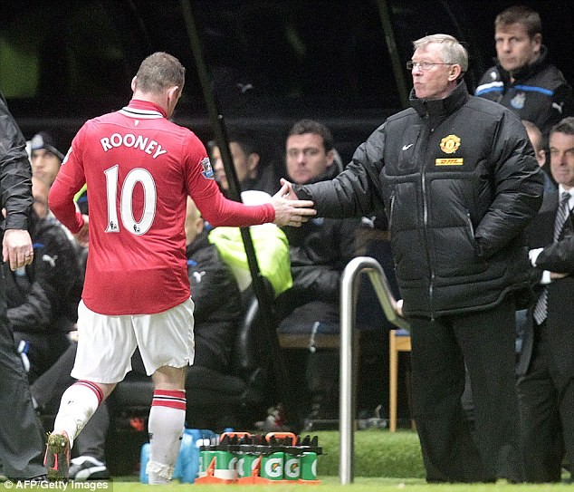 Rooney tung rat han Sir Alex chi vi Van Persie - 6