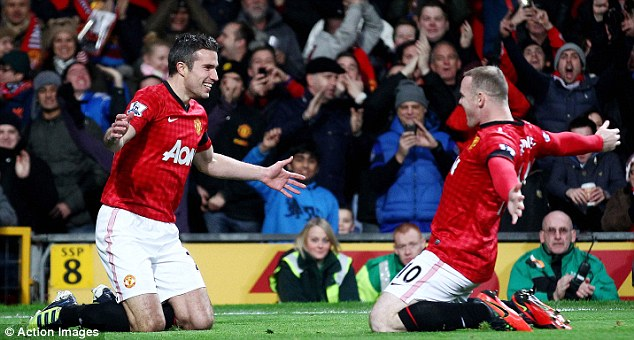Rooney tung rat han Sir Alex chi vi Van Persie - 10