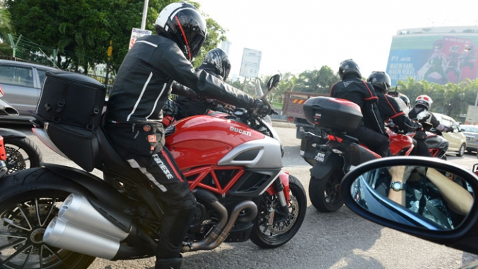 Hinh anh offline voi ae Ducati Desmod Club - 7
