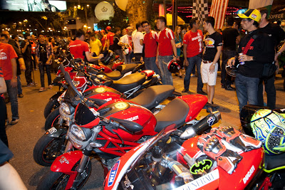 Hinh anh offline voi ae Ducati Desmod Club - 12