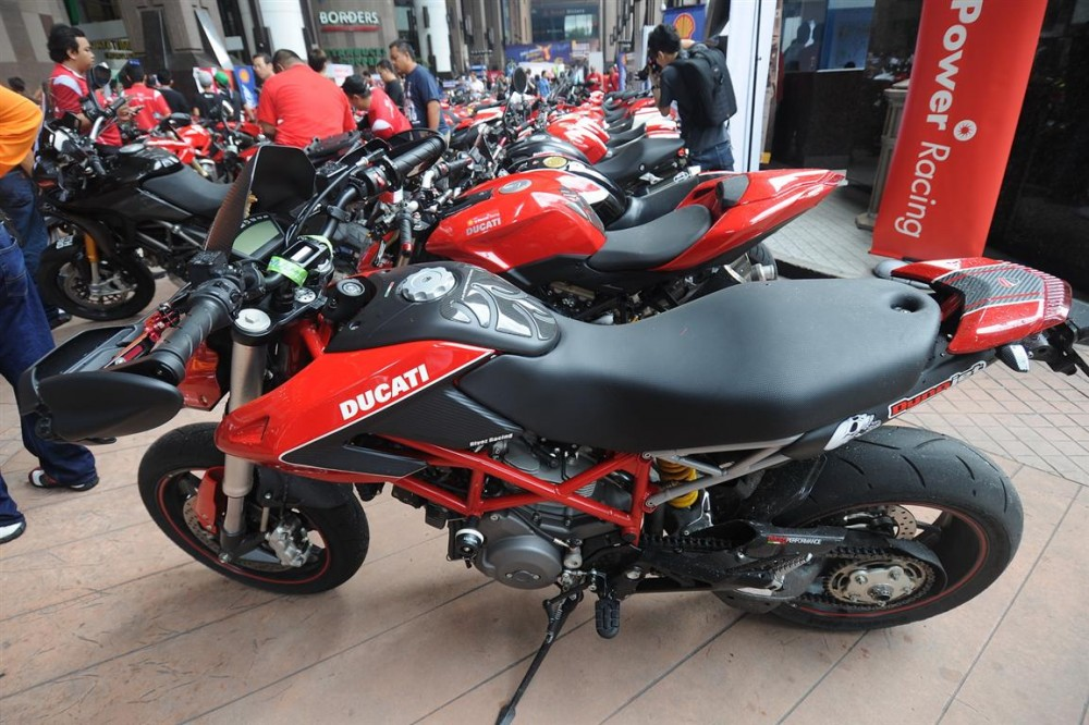 Hinh anh offline voi ae Ducati Desmod Club - 10