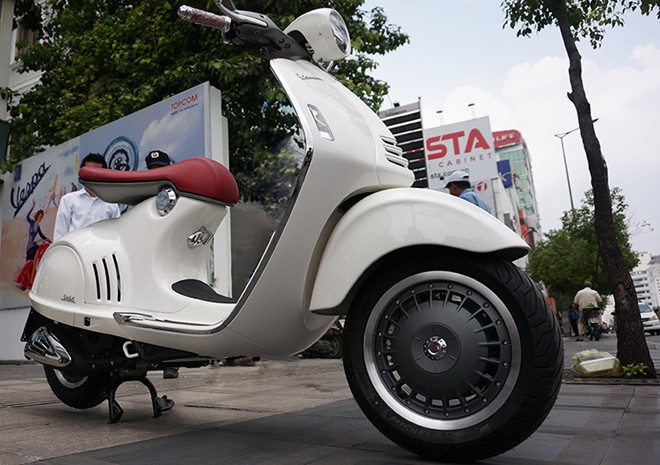 Can canh Vespa 946 moi ve Viet Nam