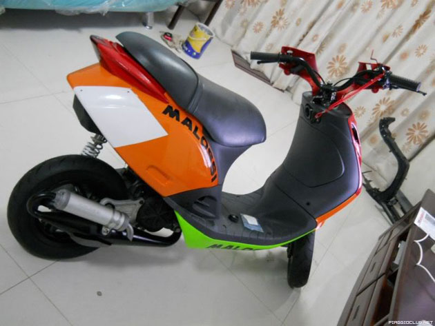 Cung ngam Piaggio Zip 125 phien ban do SP RS - 18