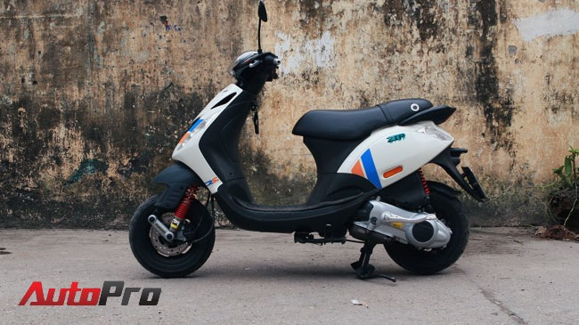 Cung ngam Piaggio Zip 125 phien ban do SP RS