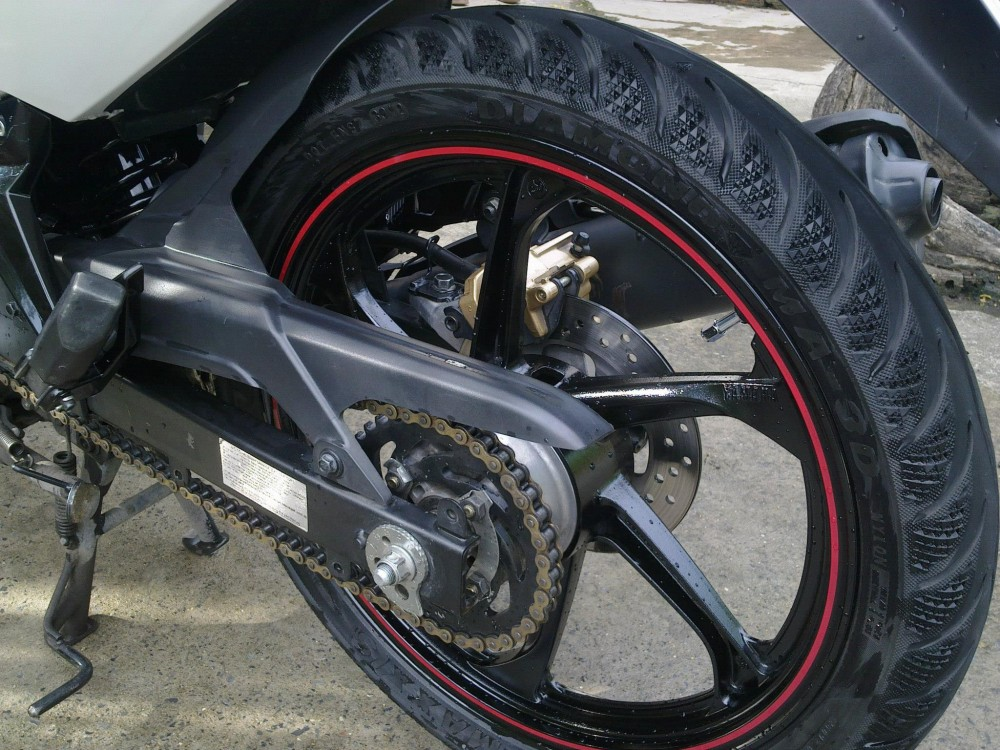 Vo Michelin hay Maxxis cho Exciter 2012