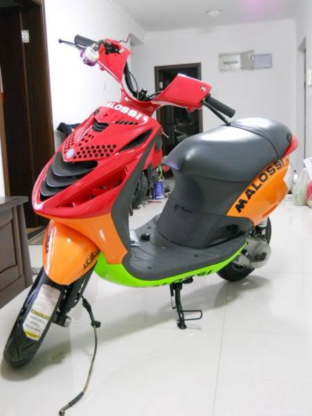 Cung ngam Piaggio Zip 125 phien ban do SP RS - 19