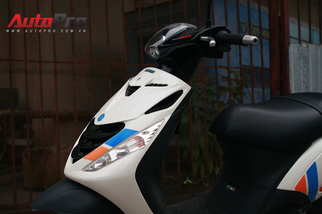 Cung ngam Piaggio Zip 125 phien ban do SP RS - 2