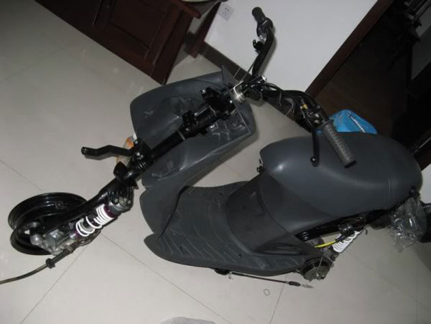 Cung ngam Piaggio Zip 125 phien ban do SP RS - 17