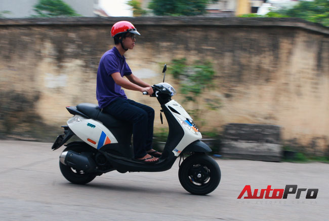 Cung ngam Piaggio Zip 125 phien ban do SP RS - 13