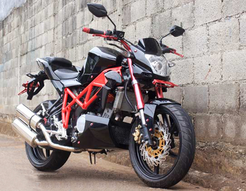 Yamaha Vixion tao hinh voi phong cach Ducati Streetfighter