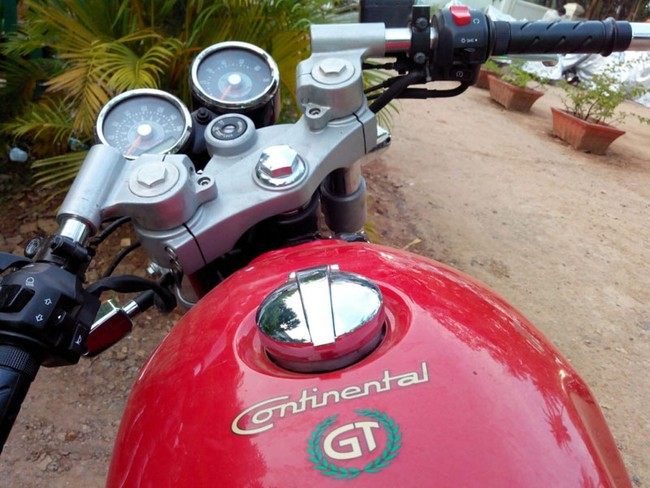 Royal Enfield Continental GT 2014 da co gia o thi truong An Do - 6