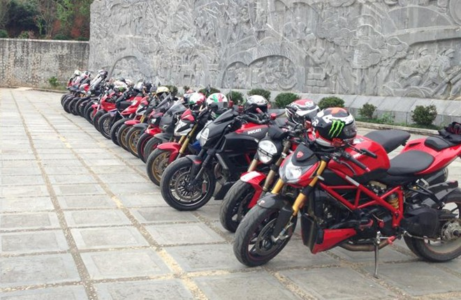 Gap go CLB Ducati monster o Ha Noi - 4