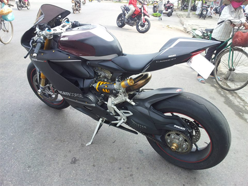 Ducati 1199 Panigale S ABS do carbon tien ty o Ha Noi - 4