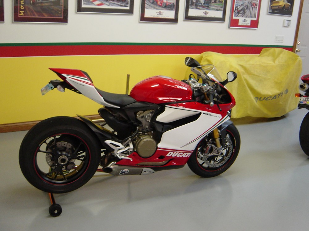 Ducati 1199 S Panigale Tricolore Co may sieu long moi con tim - 3