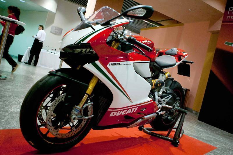 Ducati 1199 S Panigale Tricolore Co may sieu long moi con tim - 6
