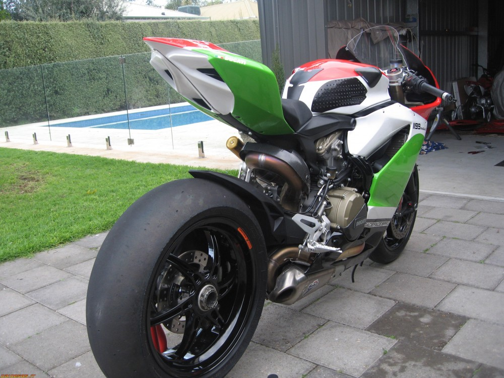 Ducati 1199 S Panigale Tricolore Co may sieu long moi con tim - 8