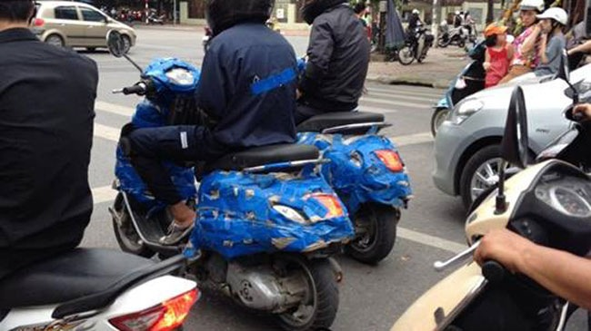 Mau xe Vespa bi an tai Viet Nam co the la Primavera 125 ie 3V - 2