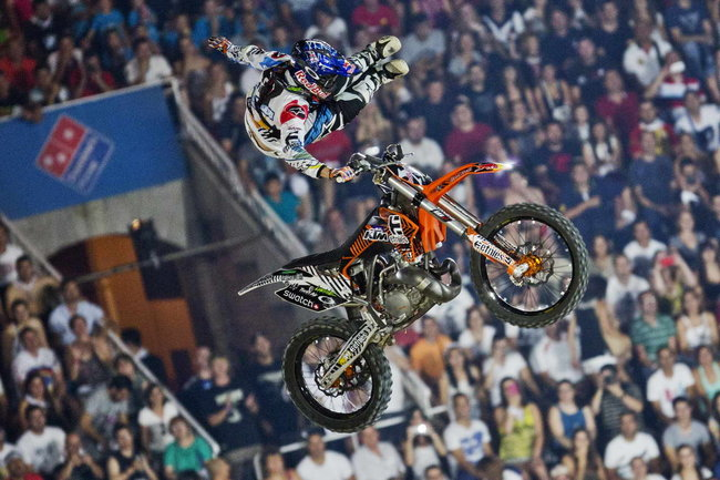 Red Bull XFighters World Tour 2014 chinh thuc khoi dong - 4