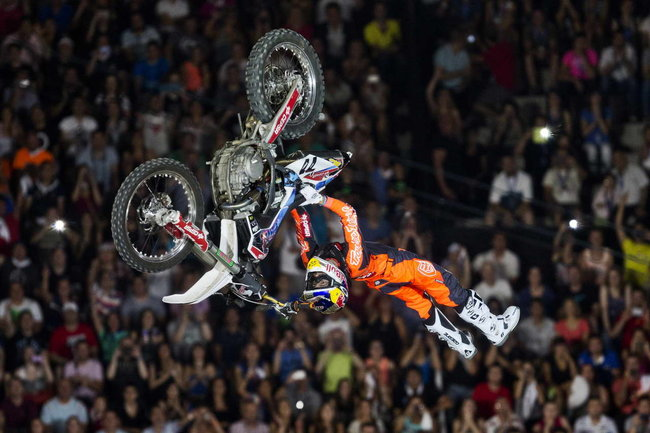 Red Bull XFighters World Tour 2014 chinh thuc khoi dong - 5