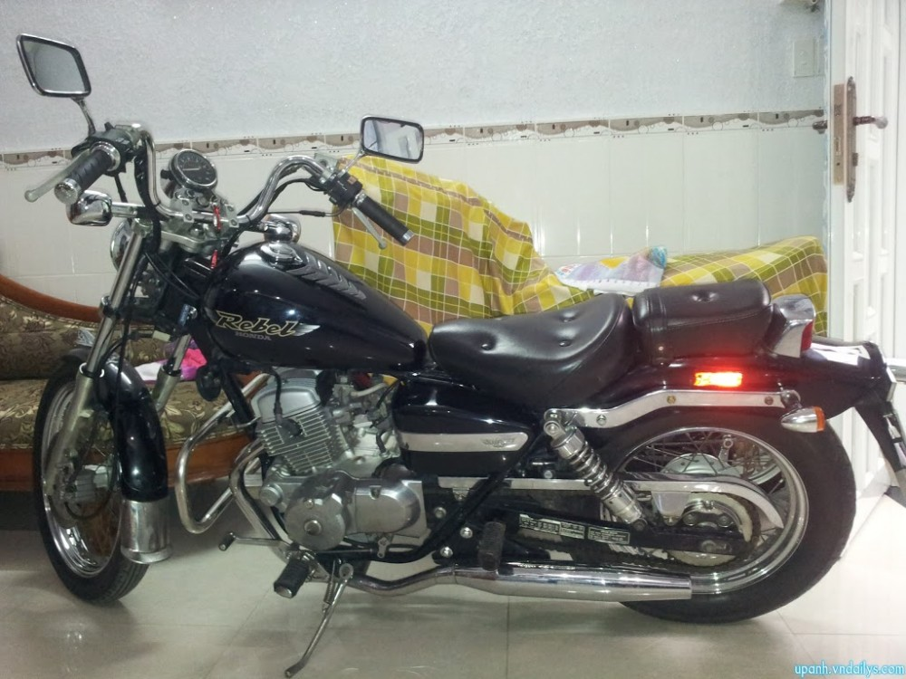 Can ban Honda Rebel My date 98125cc mau den may con zin va rat moi