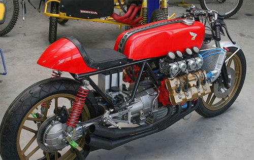 Moto dong co V8 Morbidelli 850 - 4