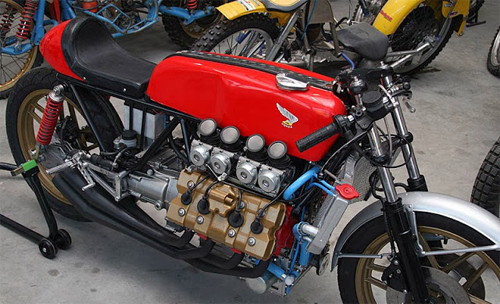 Moto dong co V8 Morbidelli 850 - 5