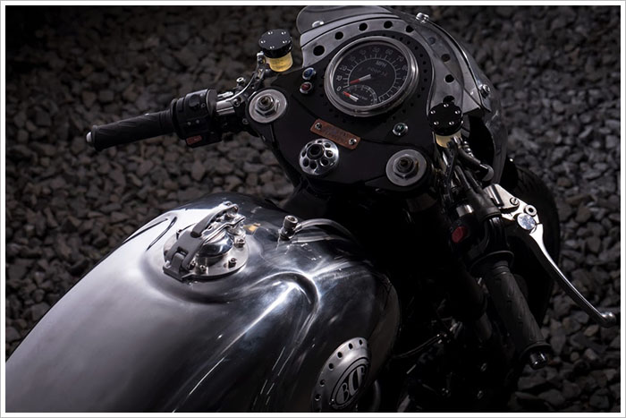 Ngam Triumph Steampunk Racer manh me den tung chi tiet - 5