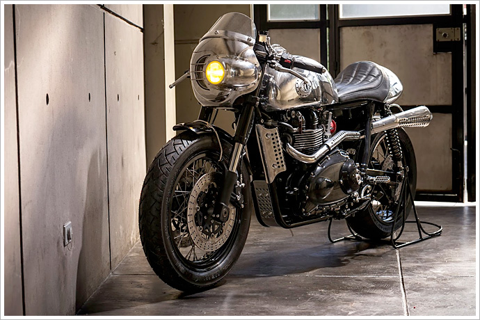 Ngam Triumph Steampunk Racer manh me den tung chi tiet