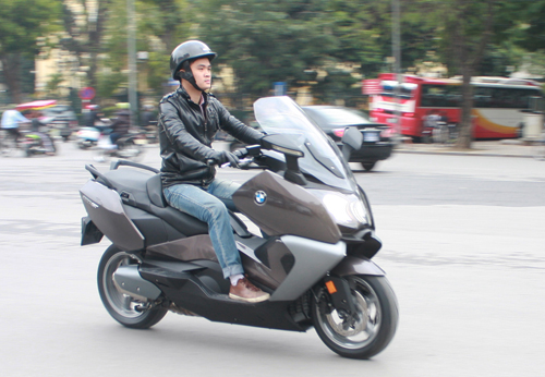 BMW dua ve Viet Nam mau scooter C650GT - 2