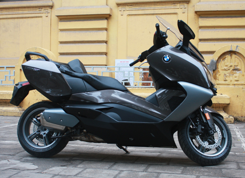 BMW dua ve Viet Nam mau scooter C650GT - 5