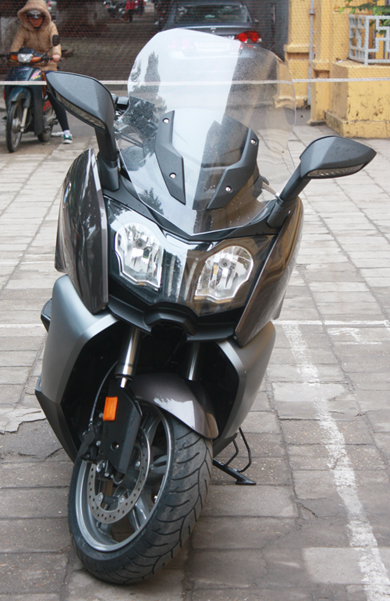 BMW dua ve Viet Nam mau scooter C650GT - 6