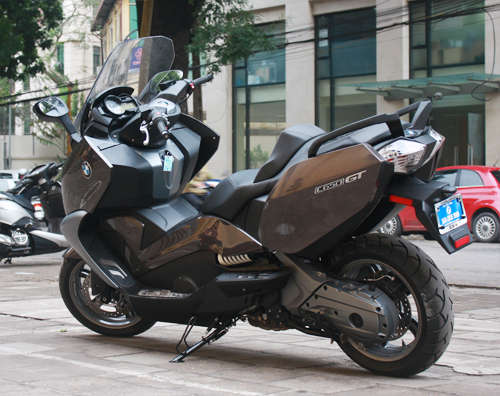 BMW dua ve Viet Nam mau scooter C650GT - 7
