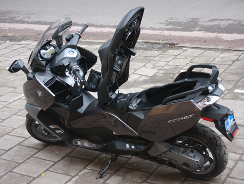 BMW dua ve Viet Nam mau scooter C650GT - 9