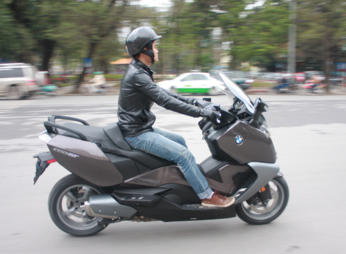 BMW dua ve Viet Nam mau scooter C650GT - 11