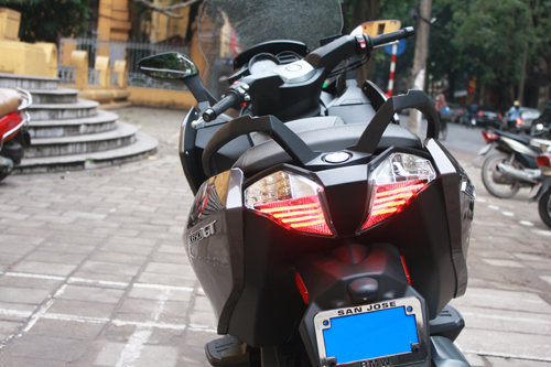 BMW dua ve Viet Nam mau scooter C650GT - 15