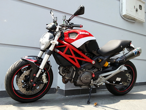 Ducati Monster 795 len do choi chat luong