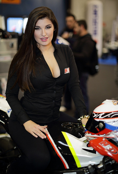 Moto va nguoi dep do o Motor Bike Expo 2014