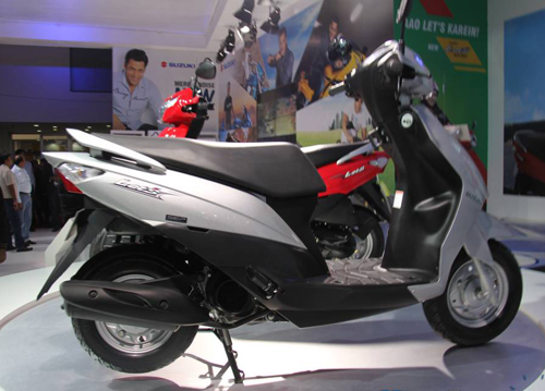 Suzuki ra mat xe Scooter co nho moi mang ten Lets - 5