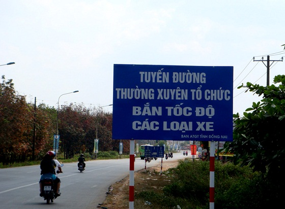 Xem canh sat giao thong cac nuoc to chuc ban toc do - 8