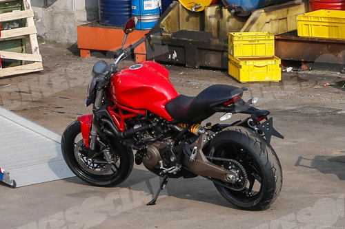 Ducati Monster 821 sap ra mat
