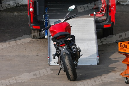 Ducati Monster 821 sap ra mat - 2
