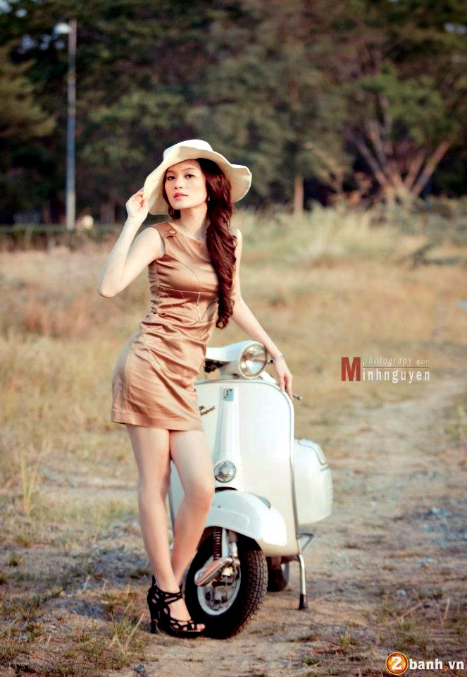 Vespa do net quyen ru cung Hot girl - 7