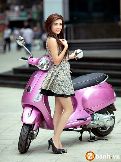 Vespa do net quyen ru cung Hot girl - 10