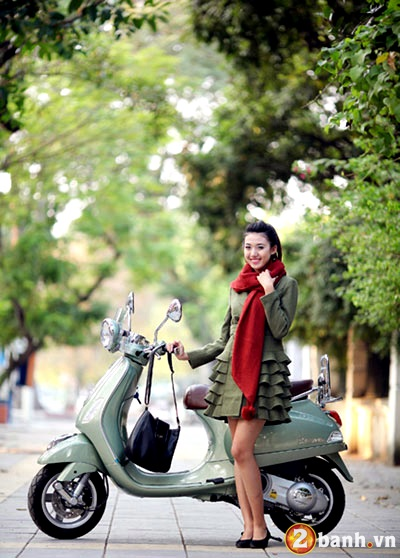 Vespa do net quyen ru cung Hot girl - 12