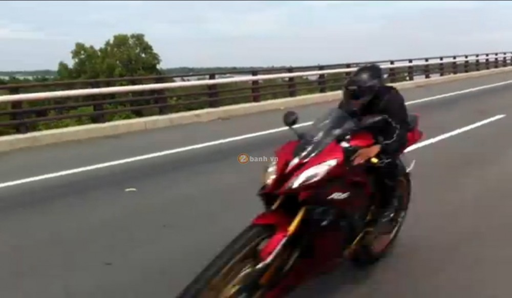 Viet Nam Top speed Suzuki GSXR 750 Vs Yamaha R6 - 2